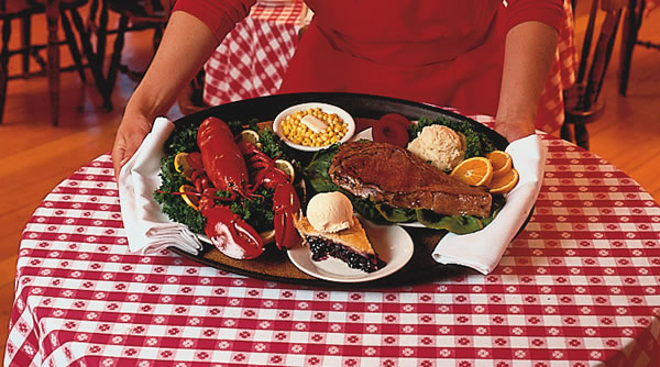 dining-room-grants-camps-rangeley-maine-lobster