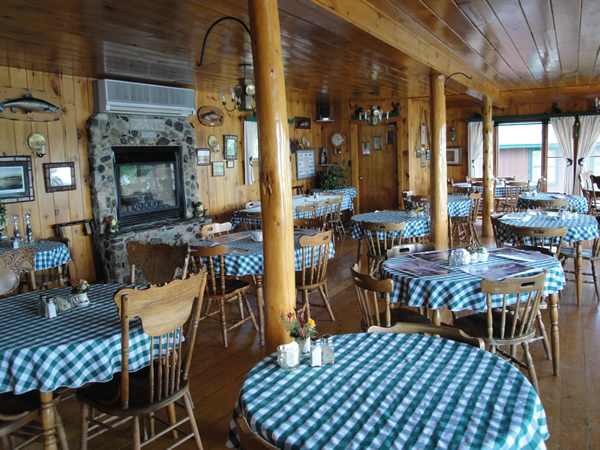 dining-room-grants-camps-rangeley-maine