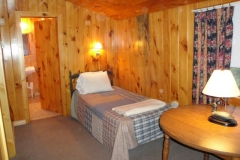 grants-camps-sporting-camp-cabin-pastureedge-indoor1-rangeley-maine